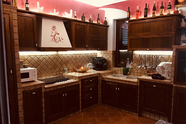 Cucine in legno di Castagno - Arte Rustica Santoro Galatina